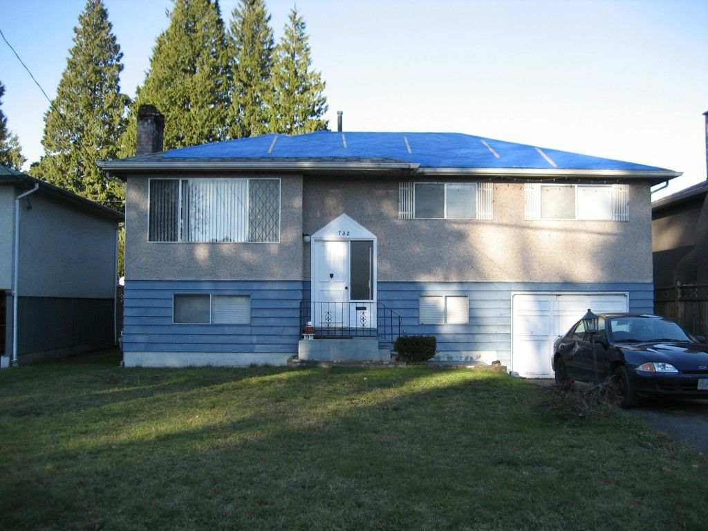 Photo 1: Photos: 732 E 15TH Street in North Vancouver: Boulevard House for sale : MLS®# V985431