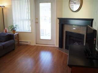 """Photo 5: 302 130 W 22ND Street in North Vancouver: Central Lonsdale Condo for sale in """"The Emerald"""" : MLS®# R2078620"""
