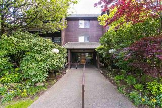 Photo 10: Vancouver West in Fairview VW: Condo for sale : MLS®# R2079599