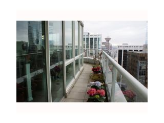 """Photo 4: 3202 1111 W PENDER Street in Vancouver: Coal Harbour Condo for sale in """"VANTAGE"""" (Vancouver West)  : MLS®# V926824"""