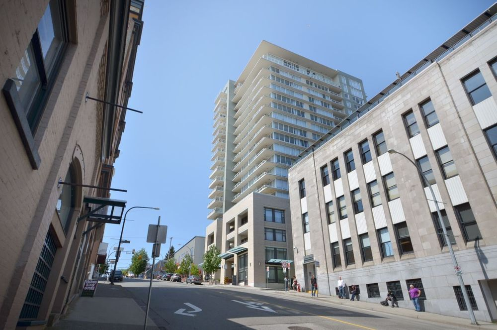 Main Photo: 1802 39 Sixth St in Bosa's Quantum: Home for sale : MLS®# V951920