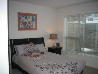 Photo 6: 108 1288 CHESTERFIELD Ave in North Vancouver: Home for sale : MLS®# V962166