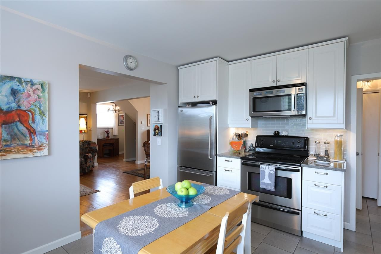 Photo 8: Photos: 1865 E 53RD Avenue in Vancouver: Killarney VE House for sale (Vancouver East)  : MLS®# R2383850