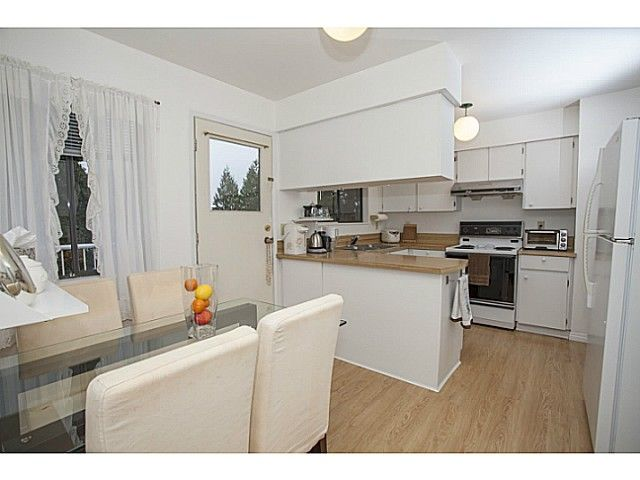 Photo 9: Photos: 1719 PETERS Road in North Vancouver: Lynn Valley House for sale : MLS®# V1105416