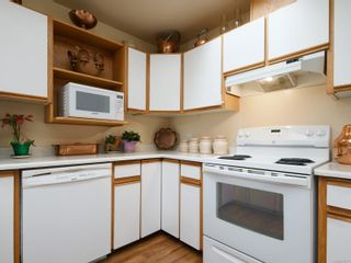 Photo 10: 10 3969 Cedar Hill Cross Rd in : SE Maplewood Row/Townhouse for sale (Saanich East)  : MLS®# 878111