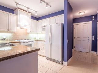 """Photo 10: 114 3188 W 41ST Avenue in Vancouver: Kerrisdale Condo for sale in """"Lanesborough"""" (Vancouver West)  : MLS®# R2573376"""