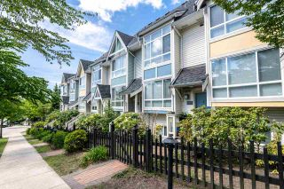 """Photo 2: 7387 MAGNOLIA Terrace in Burnaby: Highgate Townhouse for sale in """"MONTEREY"""" (Burnaby South)  : MLS®# R2376795"""