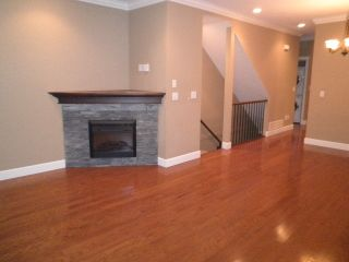 Photo 2: 9 32792 LIGHTBODY Court in Mission: Mission BC Townhouse for sale : MLS®# R2022758