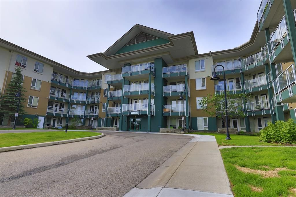 Main Photo: 237 3111 34 Avenue NW in Calgary: Varsity Apartment for sale : MLS®# A1117962