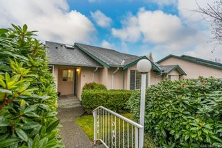 Photo 1: 4 2197 Duggan Rd in : Na Central Nanaimo Row/Townhouse for sale (Nanaimo)  : MLS®# 861589