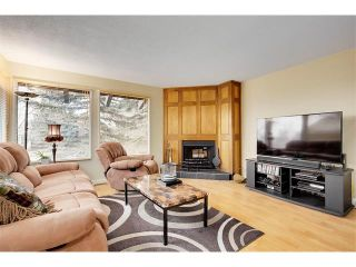 Photo 3: 1399 BERKLEY Drive NW in Calgary: Beddington Heights House for sale