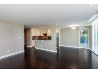 """Photo 5: 203 14824 NORTH BLUFF Road: White Rock Condo for sale in """"Belaire"""" (South Surrey White Rock)  : MLS®# R2459201"""