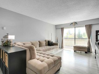 """Photo 6: 302 535 BLUE MOUNTAIN Street in Coquitlam: Central Coquitlam Condo for sale in """"REGAL COURT"""" : MLS®# R2578388"""