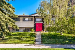Photo 2: 5836 Silver Ridge Drive NW in Calgary: Silver Springs Detached for sale : MLS®# A1121810