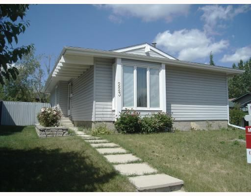 FEATURED LISTING: 223 SUNVALE Crescent Southeast CALGARY