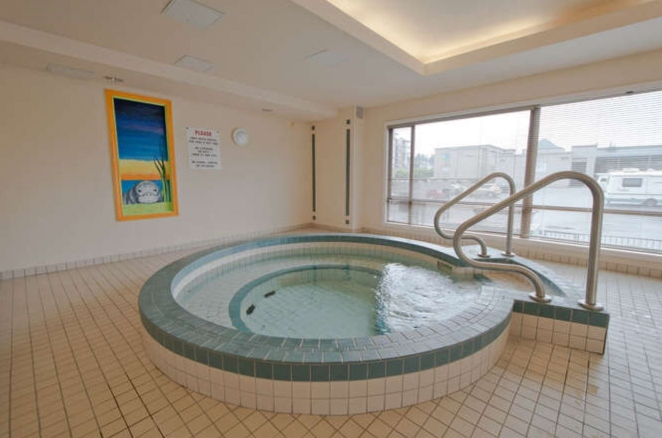 Photo 17: Photos: 410, 15111 Russell Avenue: White Rock Condo for sale (South Surrey White Rock)  : MLS®# R2152299