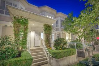 """Photo 1: 236 2565 W BROADWAY Street in Vancouver: Kitsilano Townhouse for sale in """"Trafalgar Mews"""" (Vancouver West)  : MLS®# R2581558"""