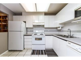 """Photo 7: 212 2357 WHYTE Avenue in Port Coquitlam: Central Pt Coquitlam Condo for sale in """"RIVERSIDE PLACE"""" : MLS®# R2043083"""