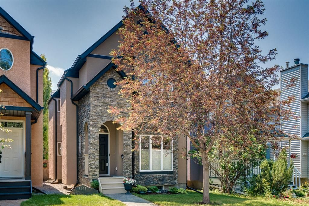 Main Photo: 1203 18 Avenue NW in Calgary: Capitol Hill Detached for sale : MLS®# A1123753