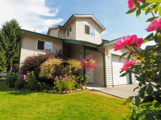 "Photo 1: 13 39920 GOVERNMENT Road in Squamish: Garibaldi Estates Townhouse for sale in ""Shannon Estates"" : MLS®# R2489214"