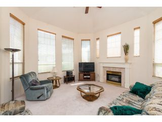 """Photo 4: 100 20655 88 Avenue in Langley: Walnut Grove Townhouse for sale in """"Twin Lakes"""" : MLS®# R2398426"""