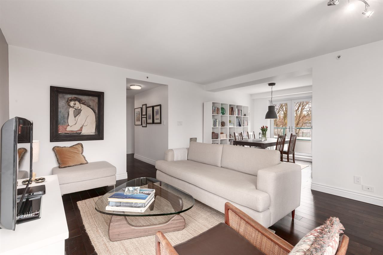 Main Photo: 406 2988 ALDER Street in Vancouver: Fairview VW Condo for sale (Vancouver West)  : MLS®# R2556084