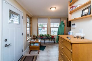 Photo 3: 695 ALWARD Street in Prince George: Crescents House for sale (PG City Central (Zone 72))  : MLS®# R2573010