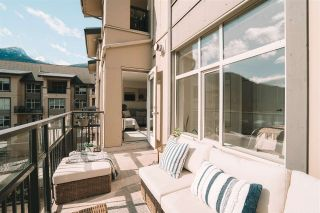 """Photo 21: 520 1211 VILLAGE GREEN Way in Squamish: Downtown SQ Condo for sale in """"Rockcliff"""" : MLS®# R2560335"""