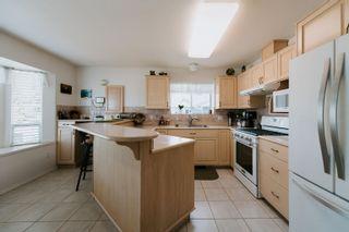 Photo 3: 5448 KENSINGTON Road in Sechelt: Sechelt District House for sale (Sunshine Coast)  : MLS®# R2611334