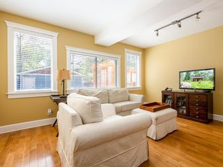 Photo 8: 917 4 Avenue NW in Calgary: Sunnyside Detached for sale : MLS®# A1111156