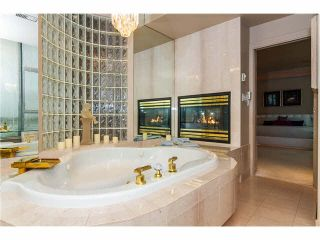 """Photo 11: 1801 32330 SOUTH FRASER Way in Abbotsford: Abbotsford West Condo for sale in """"Town Center Tower"""" : MLS®# F1426078"""