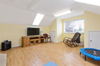 """Photo 30: 6356 187A Street in Surrey: Cloverdale BC House for sale in """"Eagle Crest"""" (Cloverdale)  : MLS®# R2586904"""