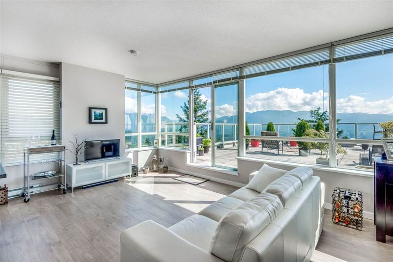 FEATURED LISTING: 1002 - 9262 UNIVERSITY Crescent Burnaby