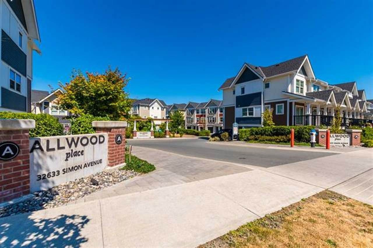 """Main Photo: 5 32633 SIMON Avenue in Abbotsford: Abbotsford West Townhouse for sale in """"Allwood Place"""" : MLS®# R2506986"""