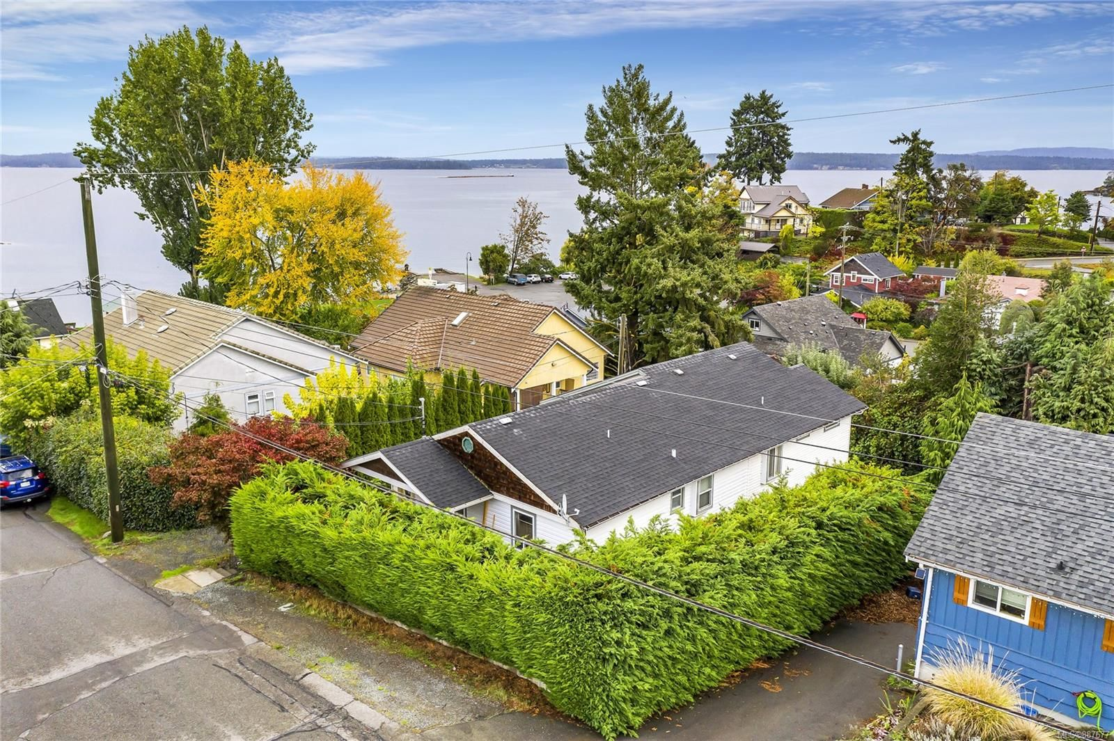Welcome to 9927 Willow Street in beautiful Chemainus!