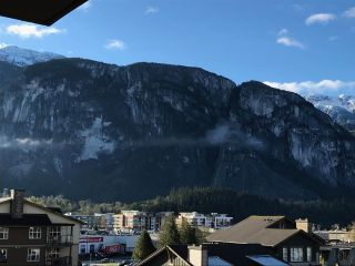 "Photo 11: 416 1211 VILLAGE GREEN Way in Squamish: Downtown SQ Condo for sale in ""Rockcliff"" : MLS®# R2359157"