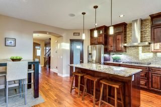 Photo 10: 1110 42 Street SW in Calgary: Rosscarrock Detached for sale : MLS®# A1145307