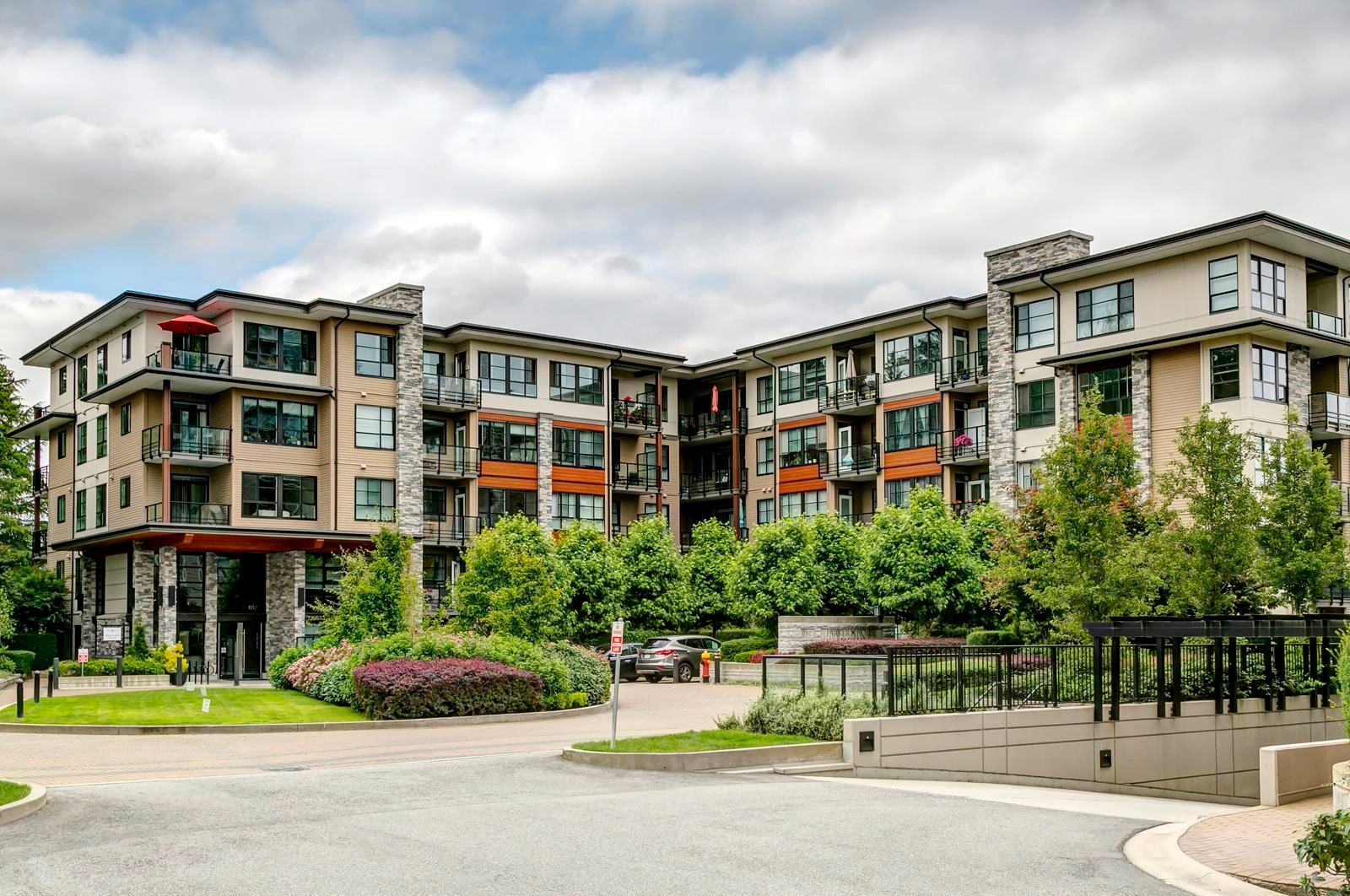 """Main Photo: 208 1152 WINDSOR Mews in Coquitlam: New Horizons Condo for sale in """"Parker House by Polygon"""" : MLS®# R2599075"""