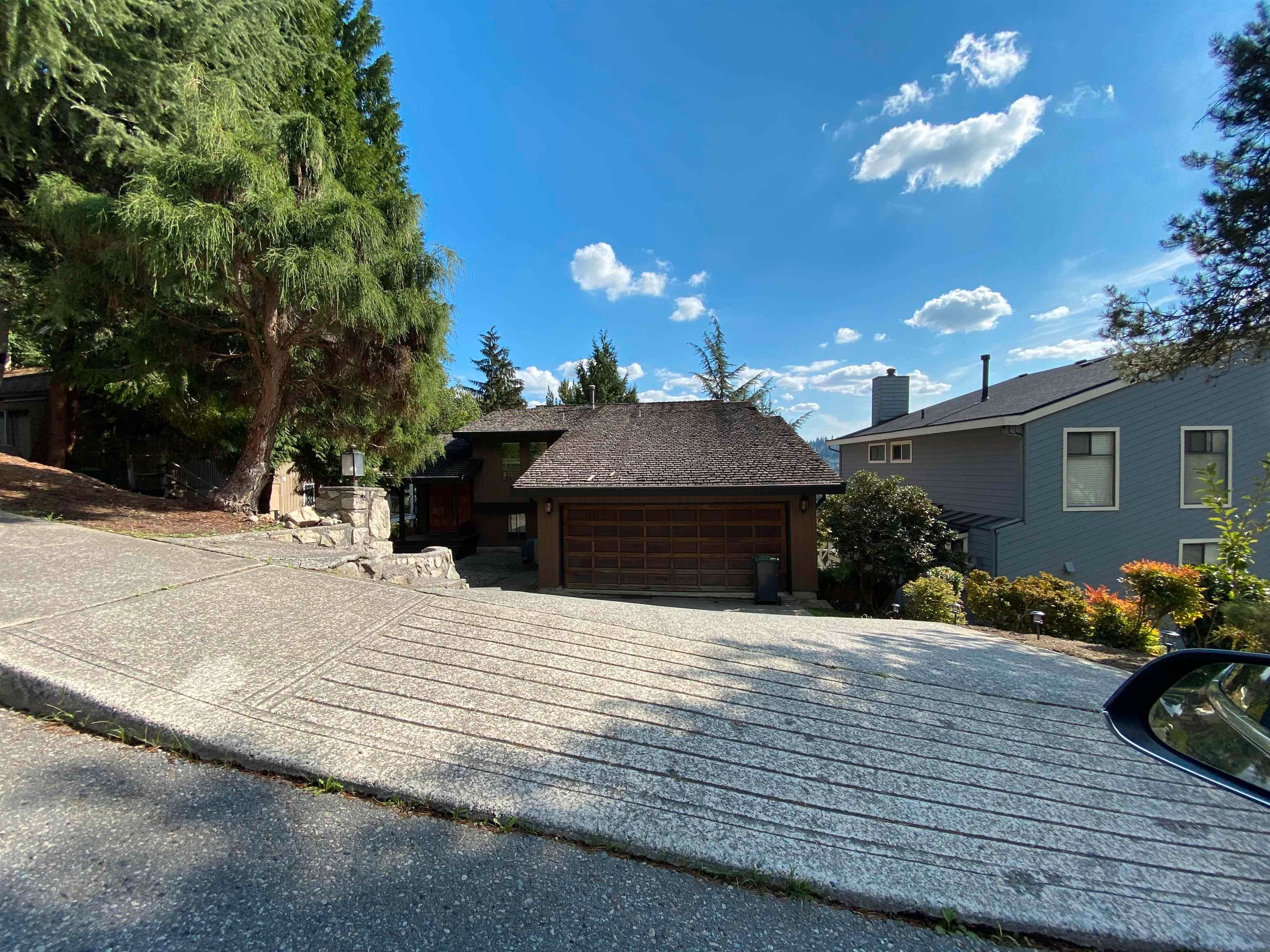 Main Photo: 1305 CHARTER HILL DRIVE in Coquitlam: Upper Eagle Ridge House for sale : MLS®# R2616938