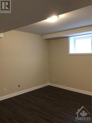 Photo 14: 736-B AZURE STREET in Russell: House for rent : MLS®# 1261332