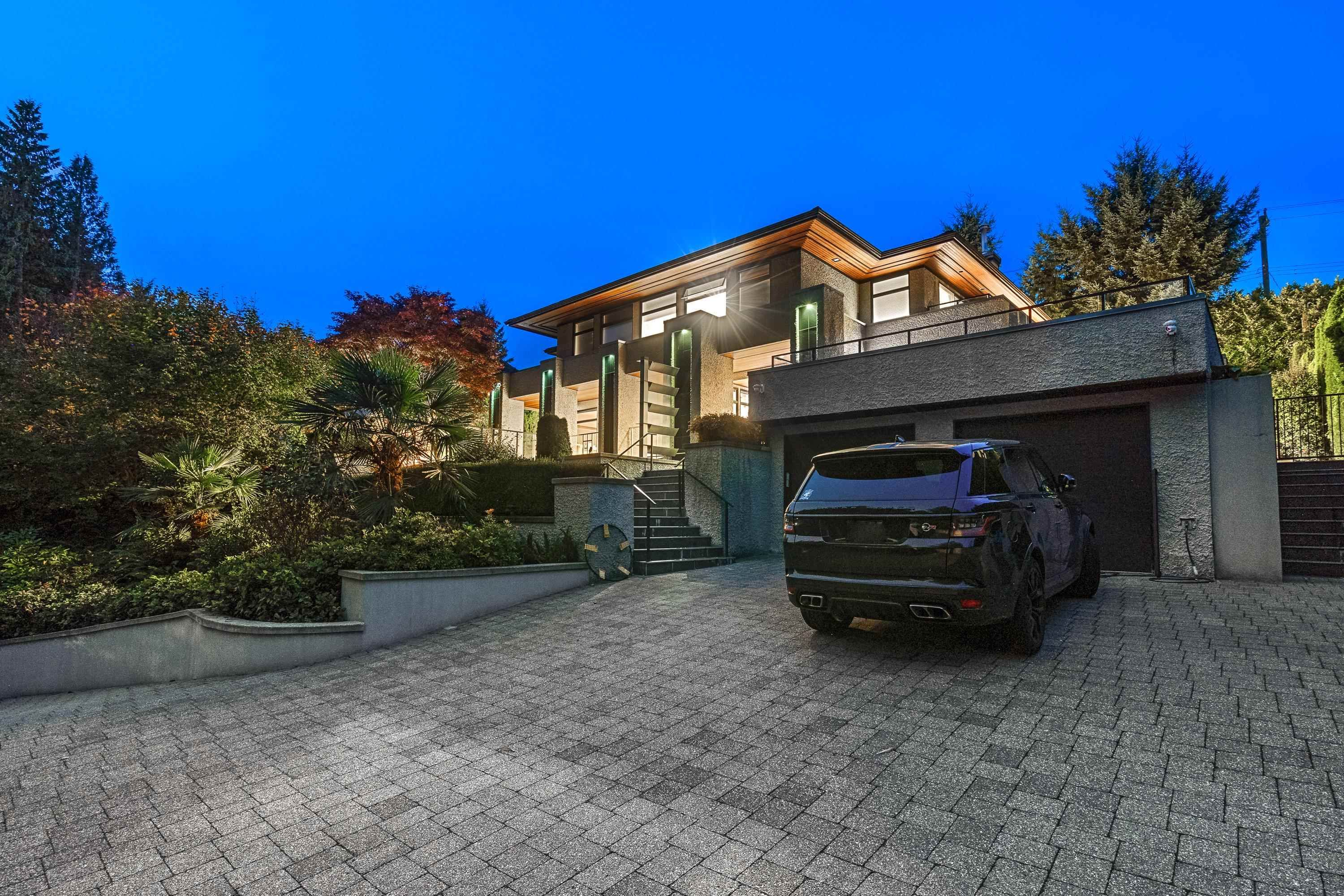 Main Photo: 627 KENWOOD Road in West Vancouver: British Properties House for sale : MLS®# R2625839