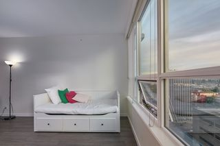 """Photo 15: 905 112 E 13TH Street in North Vancouver: Central Lonsdale Condo for sale in """"CENTREVIEW"""" : MLS®# R2566516"""