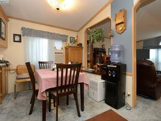 Photo 7: 21 1581 Middle Rd in VICTORIA: VR Glentana Manufactured Home for sale (View Royal)  : MLS®# 799550