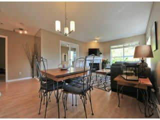 """Photo 8: 312 15272 20TH Avenue in Surrey: King George Corridor Condo for sale in """"Windsor Court"""" (South Surrey White Rock)  : MLS®# F1424168"""