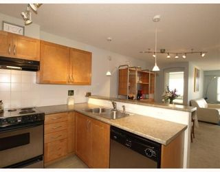 Photo 2: 111-333 East 1st Street in North Vancouver: Lower Lonsdale Condo for sale : MLS®# V762405