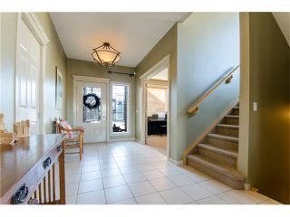Photo 2: 76 STRATHLEA Place SW in Calgary: Strathcona Park House for sale : MLS®# C4092293