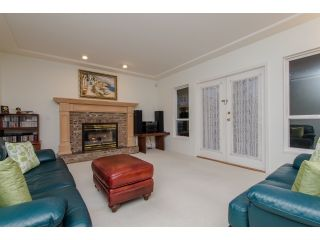 """Photo 11: 10261 168 Street in Surrey: Fraser Heights House for sale in """"Fraser Heights-Pacific Academy"""" (North Surrey)  : MLS®# R2027341"""