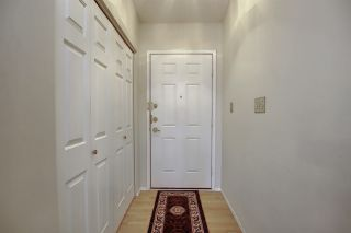 Photo 7: 9375 172 Street in Edmonton: Zone 20 House Half Duplex for sale : MLS®# E4246345