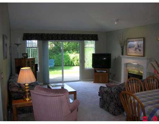 """Photo 4: Photos: 109 9208 208TH Street in Langley: Walnut Grove Townhouse for sale in """"Churchill Park"""" : MLS®# F2723347"""