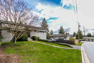 """Photo 3: 2105 CARMEN Place in Port Coquitlam: Mary Hill House for sale in """"MARY HILL"""" : MLS®# R2046927"""